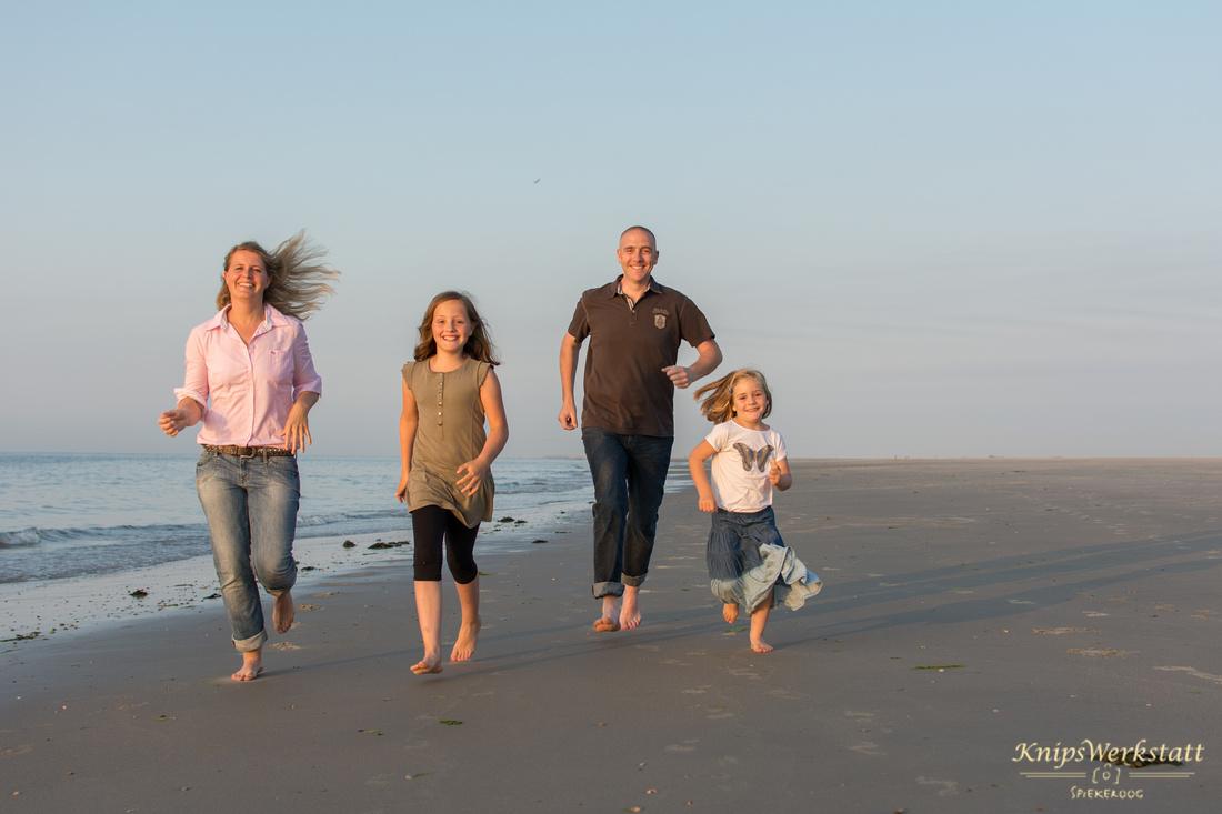 Fotograf Spiekeroog - Familienfotoshooting - Rennen