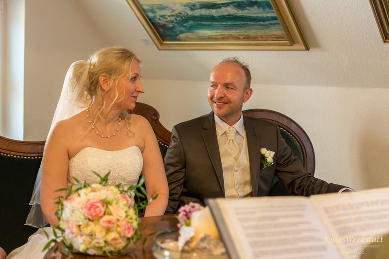 Hochzeit_Inselmuseum_Spiekeroog_Brautpaar