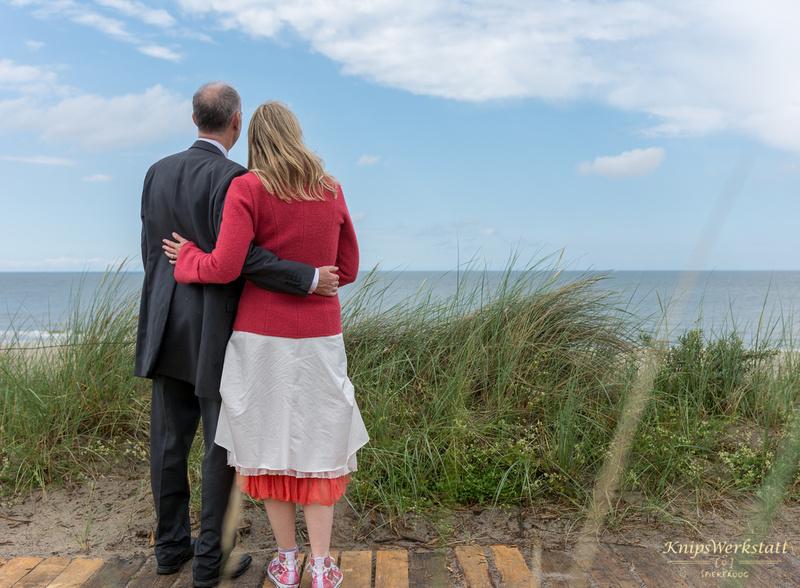 Hochzeit Spiekeroog - Hochzeitsfoto Blick aufs Meer