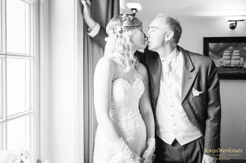 Hochzeit Neuharlingersiel - Der Kuss