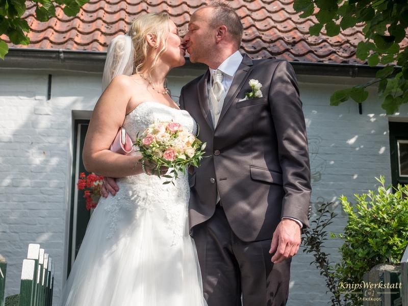Hochzeit_Inselmuseum_Spiekeroog_Kuss