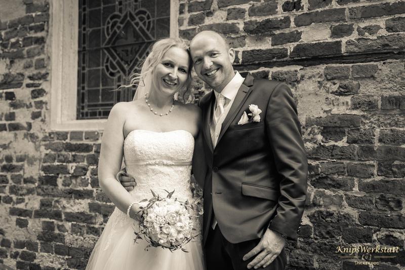 Hochzeitsfotos_Brautpaar_Inselkirche_Spiekeroog