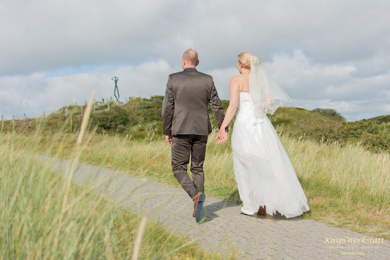 Brautpaar_Spiekeroog_Dünenlandschaft
