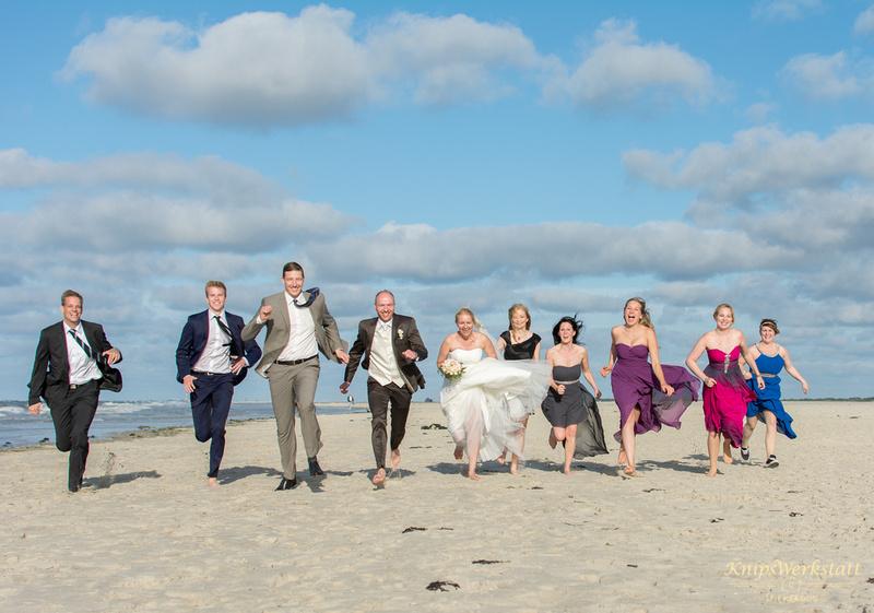 Hochzeit_Spiekeroog_Hochzeitsfotos_Meer_Strand_Gruppenfoto