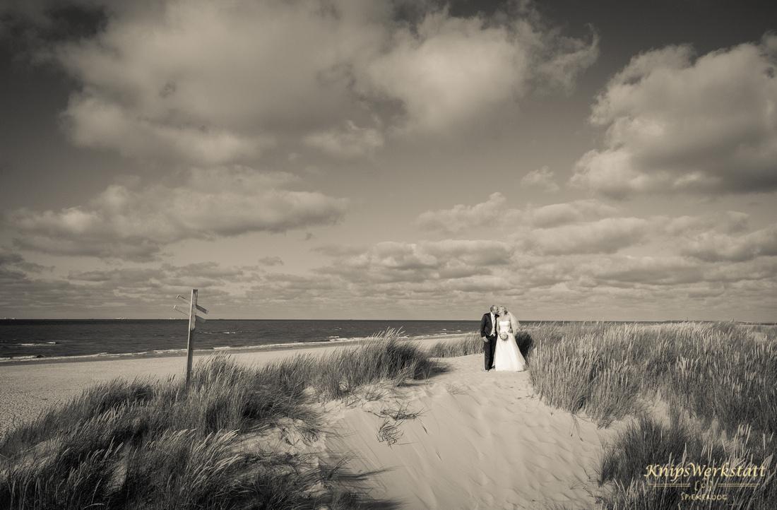 Hochzeitsfoto_Spiekeroog_Düne_Weite