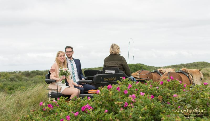 Hochzeit Spiekeroog - Hochzeitskutsche Dünen